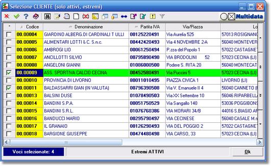 La selezione multipla di più clienti per la generazione di un report parametrico - quattro voci sono selezionate, delle quali due visibili.